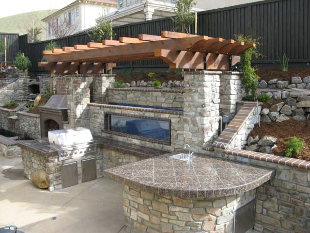 Custom outdoor kitchens and bbq 39 s for Backyard barbecues outdoor kitchen