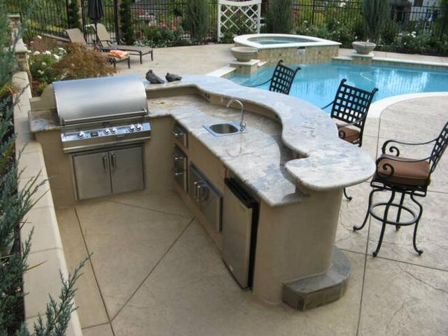 Custom outdoor kitchens and bbq s